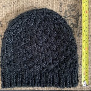 Capelli of New York loose knit beanie